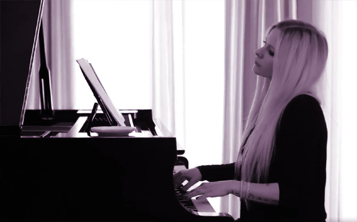 avril playing piano