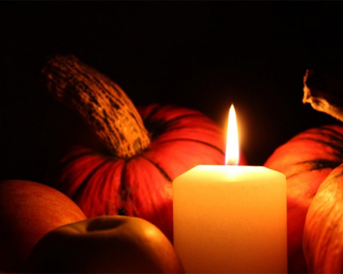 Candle with pumpkins
